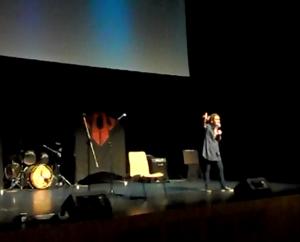 Esther Lara actuando